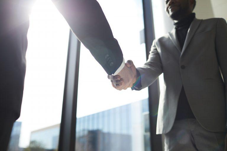 Cliente solucionando o problema com a conversão de dívida na Levycam