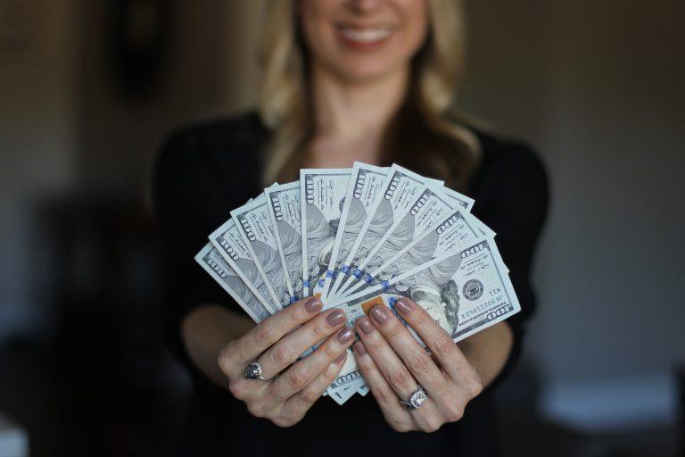 Cliente após adquirir moeda estrangeira com as melhores cotações do mercado | Levycam