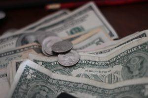Qual a relação entre economia instável e a Cotação do Dólar?