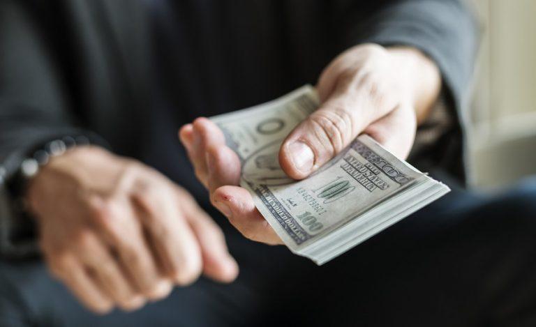 Compra e Venda de Dólar - Levycam