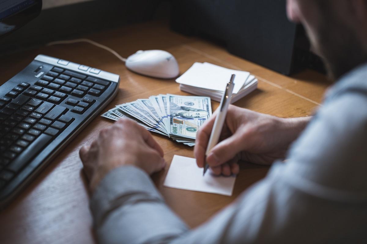 Remessas internacionais: três taxas que você deve monitorar com esta operação